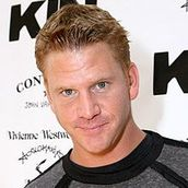 Cast Photo: Dash Mihok