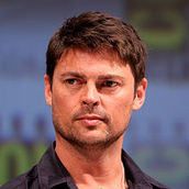 Cast Photo: Karl Urban