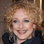 Cast Photo: Carol Kane