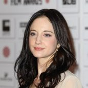 Cast Photo: Andrea Riseborough