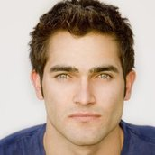 Cast Photo: Tyler Hoechlin