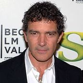 Cast Photo: Antonio Banderas