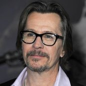 Cast Photo: Gary Oldman