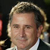 Cast Photo: Anthony LaPaglia