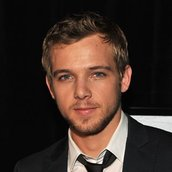 Cast Photo: Max Thieriot