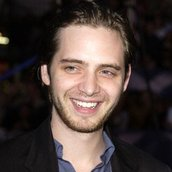 Cast Photo: Aaron Stanford