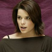 Cast Photo: Neve Campbell