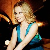 Cast Photo: Amy Poehler