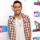 Cast Photo: Zachary Levi