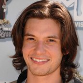 Cast Photo: Ben Barnes