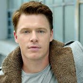 Cast Photo: Diego Klattenhoff