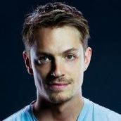 Cast Photo: Joel Kinnaman