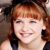 Cast Photo: Joey King