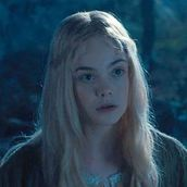 Cast Photo: Elle Fanning