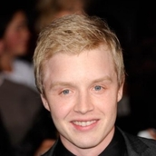 Cast Photo: Noel Fisher