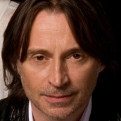 Cast Photo: Robert Carlyle
