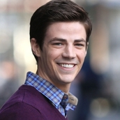 Cast Photo: Grant Gustin