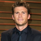 Cast Photo: Scott Eastwood