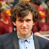 Cast Photo: Harry Melling