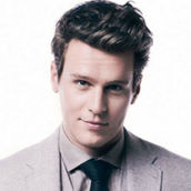 Cast Photo: Jonathan Groff