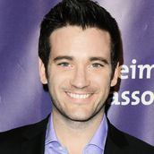 Cast Photo: Colin Donnell