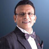 Cast Photo: Annu Kapoor