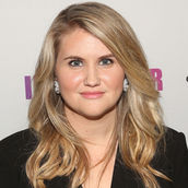 Cast Photo: Jillian Bell