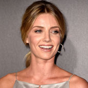 Cast Photo: Annabelle Wallis
