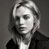 Cast Photo: Odessa Young