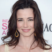 Cast Photo: Linda Cardellini