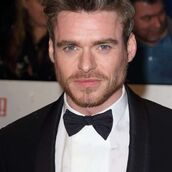 Cast Photo: Richard Madden