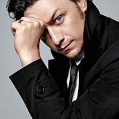Cast Photo: James McAvoy