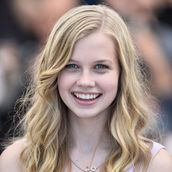 Cast Photo: Angourie Rice
